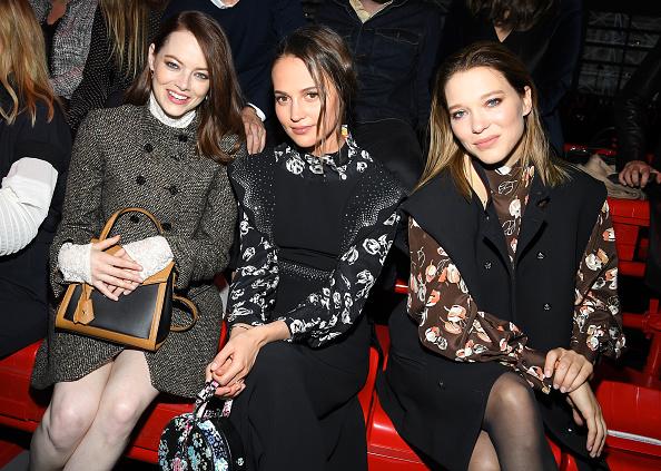 Emma Stone「Louis Vuitton : Front Row - Paris Fashion Week Womenswear Fall/Winter 2019/2020」:写真・画像(19)[壁紙.com]