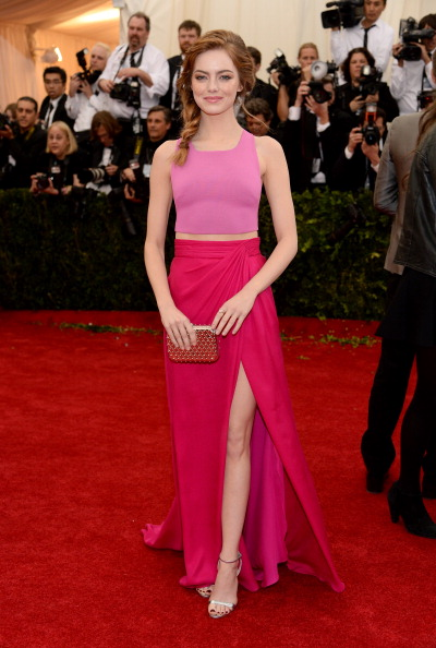 "Emma Stone「""Charles James: Beyond Fashion"" Costume Institute Gala - Arrivals」:写真・画像(14)[壁紙.com]"