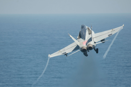 Arabian Sea「North Arabian Sea, May 25, 2013 - An F/A-18C Hornet launches off the flight deck of the aircraft carrier USS Dwight D. Eisenhower.」:スマホ壁紙(9)