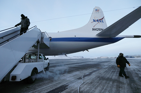 Thule Air Base「NASA Continues Efforts To Monitor Arctic Ice Loss With Research Flights Over Greenland and Canada」:写真・画像(14)[壁紙.com]