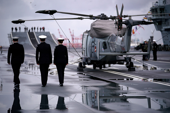 British Military「The Public Invited Onboard Royal Navy Aircraft Carrier HMS Prince of Wales」:写真・画像(13)[壁紙.com]