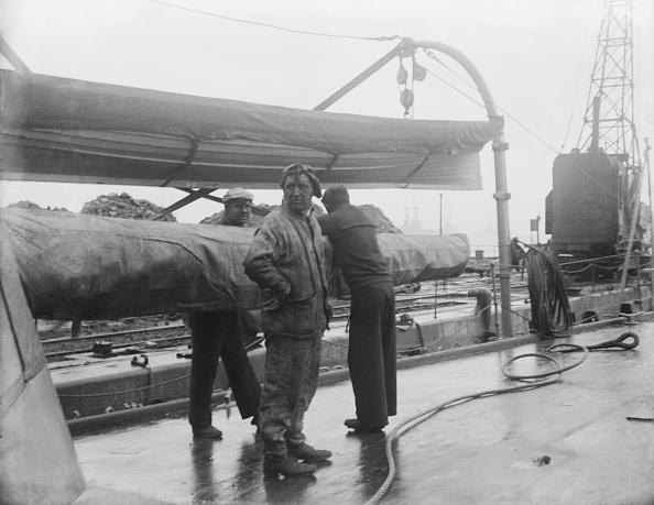 Passenger Craft「HMS Dido Being Refuelled」:写真・画像(11)[壁紙.com]