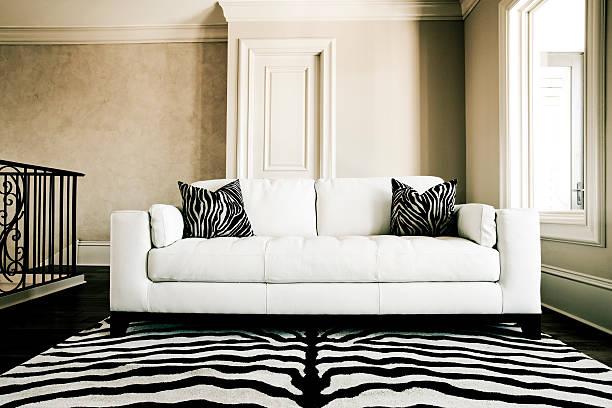 Couch:スマホ壁紙(壁紙.com)