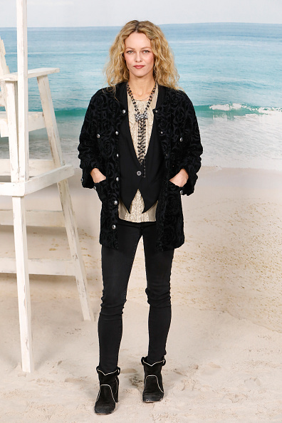ヴァネッサ・パラディ「Chanel : Photocall - Paris Fashion Week Womenswear Spring/Summer 2019」:写真・画像(14)[壁紙.com]