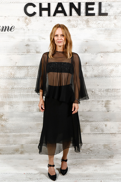 Vanessa Paradis「Chanel And Madame Figaro Dinner In Honor Of The 46th Anniversary Of The Festival Of American Cinema In Deauville」:写真・画像(4)[壁紙.com]