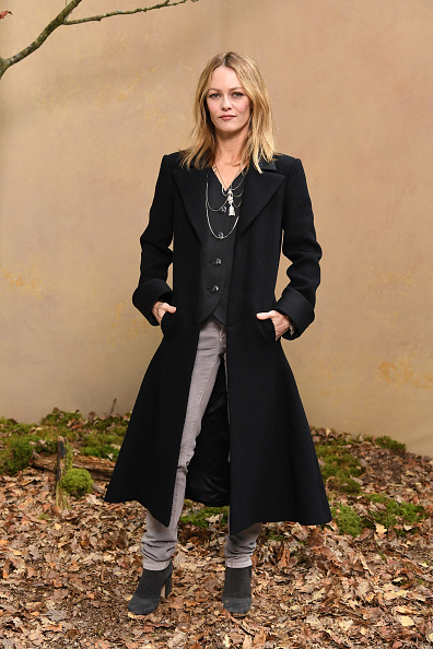 ヴァネッサ・パラディ「Chanel : Photocall - Paris Fashion Week Womenswear Fall/Winter 2018/2019」:写真・画像(1)[壁紙.com]