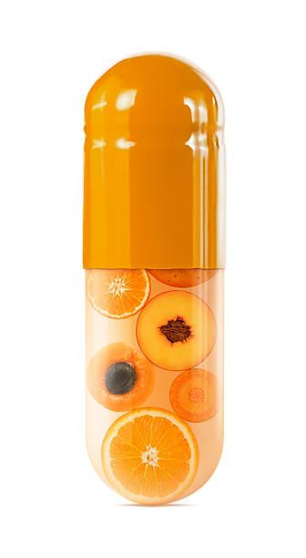 オレンジスライスに大きめのカプセルにホワイト:スマホ壁紙(壁紙.com)