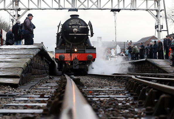 Railroad Car「The Flying Scotsman Takes To The Tracks Under Steam After An Extensive Restoration」:写真・画像(3)[壁紙.com]