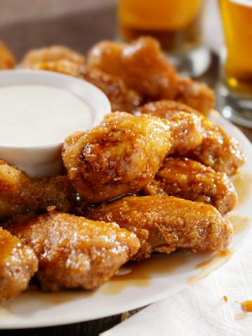 Chicken Wing「Crispy Honey Garlic Chicken Wings and Beer」:スマホ壁紙(3)
