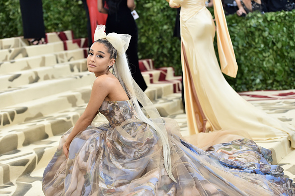 Ariana Grande「Heavenly Bodies: Fashion & The Catholic Imagination Costume Institute Gala - Arrivals」:写真・画像(16)[壁紙.com]