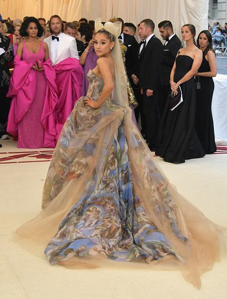 Ariana Grande「Heavenly Bodies: Fashion & The Catholic Imagination Costume Institute Gala - Arrivals」:写真・画像(10)[壁紙.com]