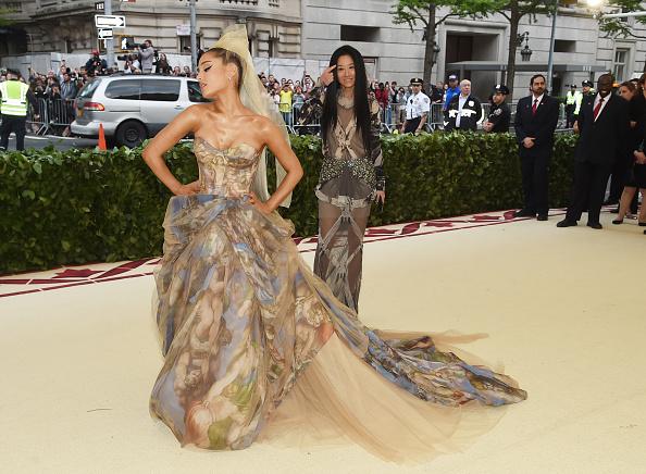 Ariana Grande「Heavenly Bodies: Fashion & The Catholic Imagination Costume Institute Gala - Arrivals」:写真・画像(1)[壁紙.com]