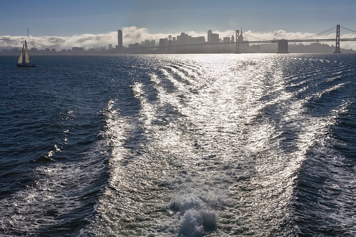 Wave「San Francisco Bay  skyline and waves from ferry」:スマホ壁紙(11)