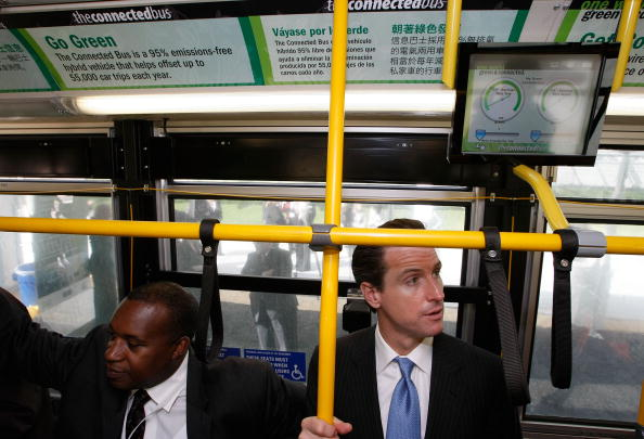 Wireless Technology「Mayor Gavin Newsom Tours City Bus Outfitted With WiFi」:写真・画像(0)[壁紙.com]