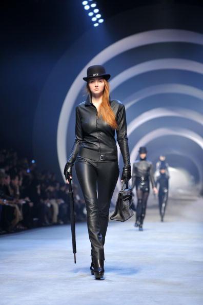 既製服「Hermes - PFW - Ready To Wear - Fall/Winter 2011 - Show」:写真・画像(6)[壁紙.com]