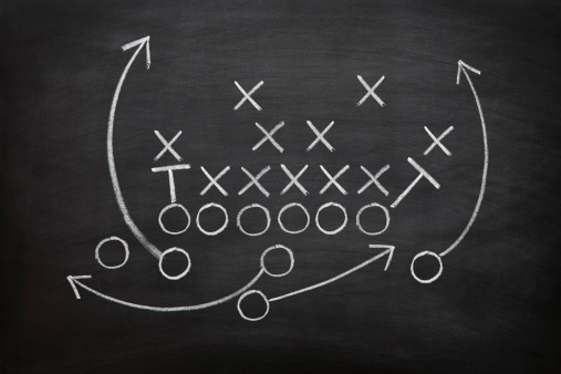 Sports Team「Football game plan on blackboard with white chalk」:スマホ壁紙(0)
