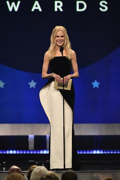 ちりめん生地「The 24th Annual Critics' Choice Awards - Show」:写真・画像(3)[壁紙.com]