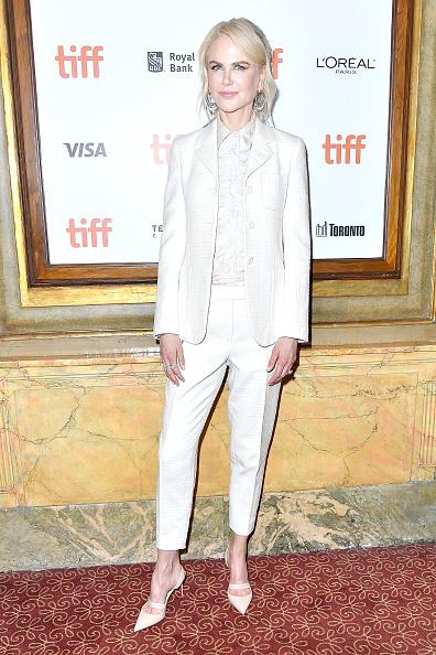 "Ruffled Shirt「2018 Toronto International Film Festival - ""Destroyer"" Premiere」:写真・画像(11)[壁紙.com]"