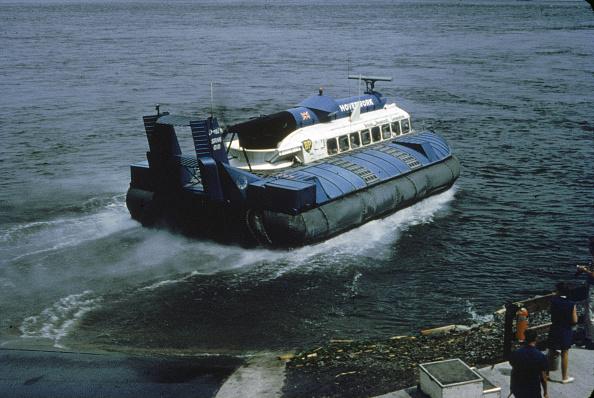 Passenger Craft「1967 Expo Hovercraft」:写真・画像(11)[壁紙.com]