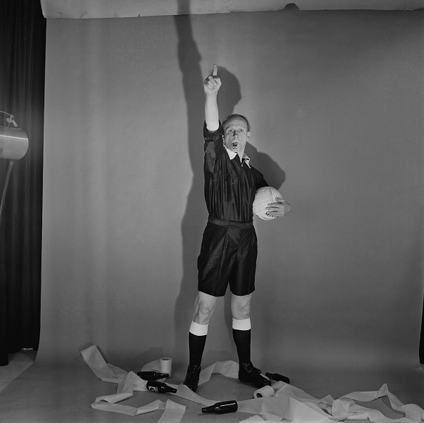 Toilet Paper「Football Referee」:写真・画像(8)[壁紙.com]
