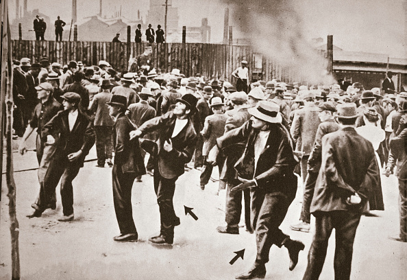Mad Max: Fury Road「Riot During A Strike By Standard Oil Workers Bayonne New Jersey USA 1915」:写真・画像(10)[壁紙.com]