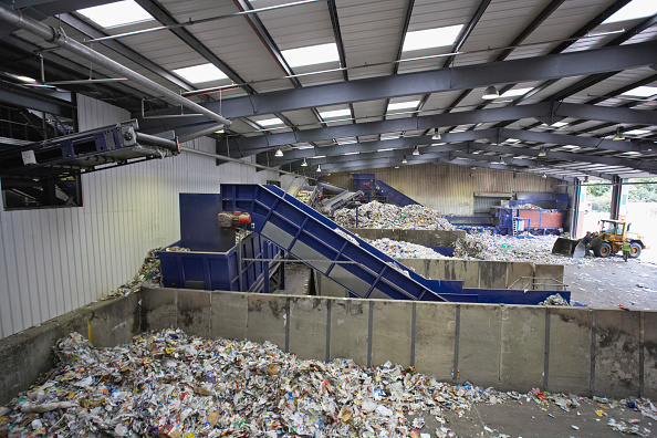 Bay of Water「Dumping bays at recycling centre」:写真・画像(14)[壁紙.com]
