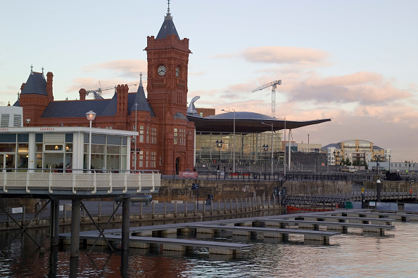 Cardiff Bay「Welsh Assembly Government building, Wales, UK The Assembly building in Cardiff Bay built with a holistic approach has received the Building Research Establishment's (BRE) highest award for sustainable building construction The building, designed by Richa」:写真・画像(18)[壁紙.com]