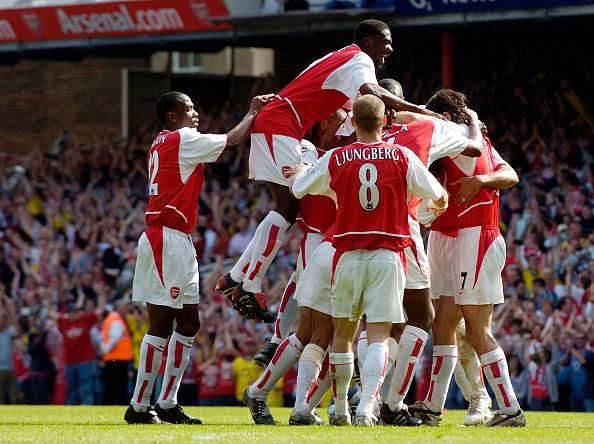 Leicester「Arsenal v Leicester Premiership Footall 2004」:写真・画像(15)[壁紙.com]