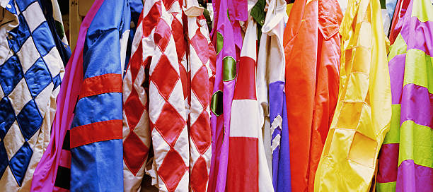 Jockey's silks hanging in jockey room, close-up:スマホ壁紙(壁紙.com)