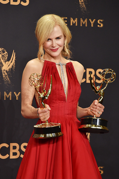 Award「69th Annual Primetime Emmy Awards - Press Room」:写真・画像(6)[壁紙.com]