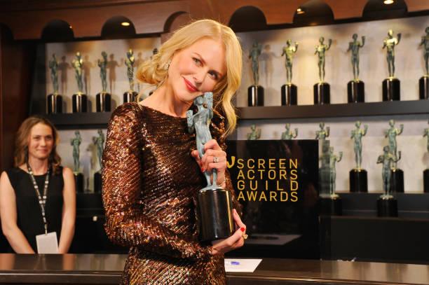 Award「24th Annual Screen Actors Guild Awards - Trophy Room」:写真・画像(17)[壁紙.com]