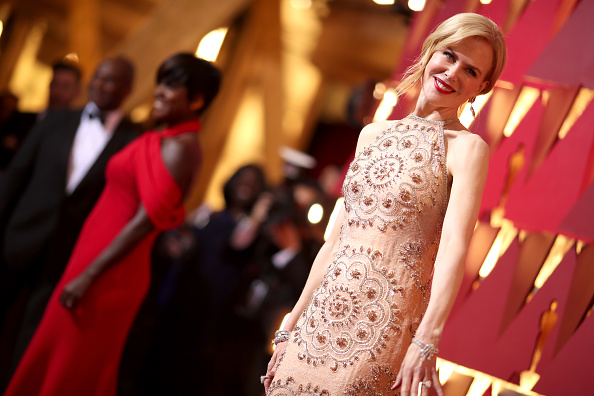 Tiered「89th Annual Academy Awards - Red Carpet」:写真・画像(10)[壁紙.com]