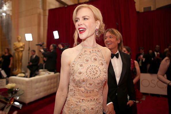Tiered「89th Annual Academy Awards - Red Carpet」:写真・画像(11)[壁紙.com]
