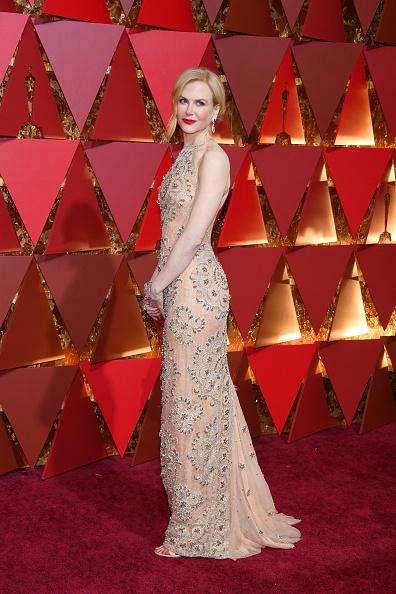 Alternative Pose「89th Annual Academy Awards - Arrivals」:写真・画像(2)[壁紙.com]