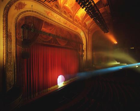 Curtain「Spotlight shining on curtain of theater」:スマホ壁紙(19)