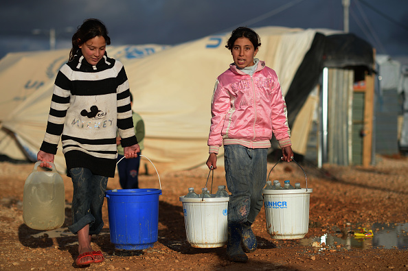 Water「Syrian Refugee Children Living In The Za'atari Camp」:写真・画像(13)[壁紙.com]