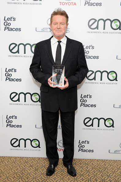 Black Suit「Environmental Media Association Hosts Its 25th Annual EMA Awards Presented By Toyota And Lexus - Inside」:写真・画像(4)[壁紙.com]