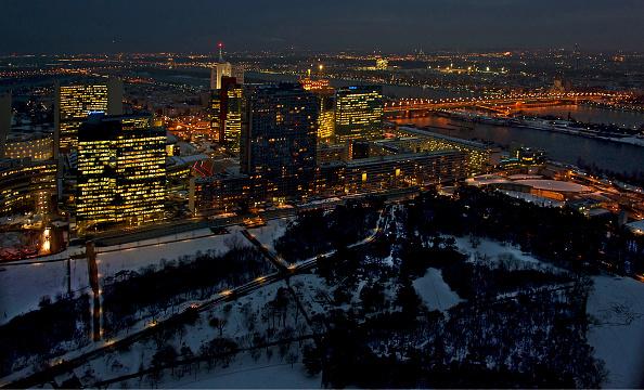 風景(季節別)「Danube City At Night」:写真・画像(4)[壁紙.com]