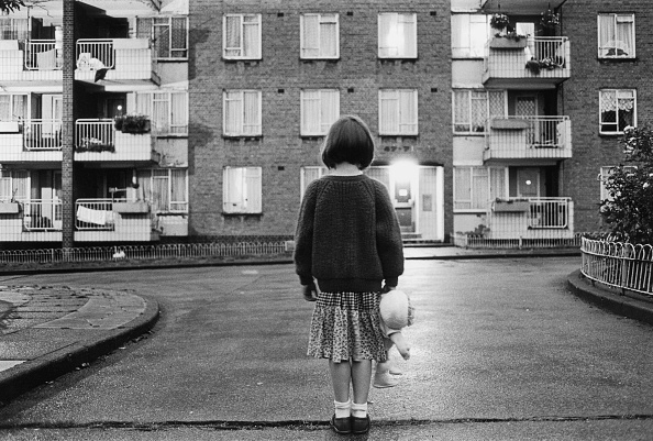 Rear View「Housing Estate」:写真・画像(13)[壁紙.com]