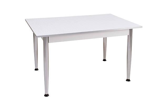 Table (Click for more):スマホ壁紙(壁紙.com)