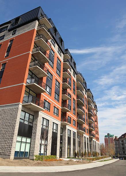 Modern Condominium Building Exterior:スマホ壁紙(壁紙.com)