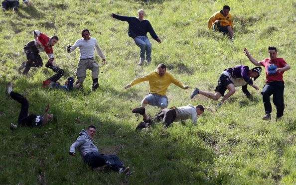 Hill「Cooper's Hill Hosts The Annual Cheese Rolling And Wake」:写真・画像(11)[壁紙.com]