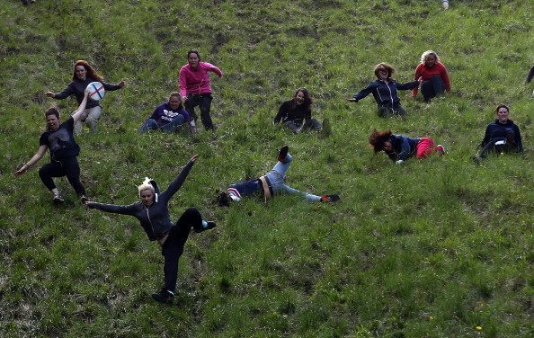 Hill「Cooper's Hill Hosts The Annual Cheese Rolling And Wake」:写真・画像(7)[壁紙.com]