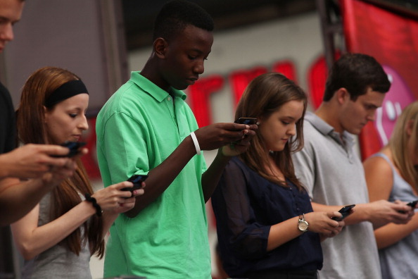 Teenager「National Texting Championship Held in Times Square」:写真・画像(13)[壁紙.com]