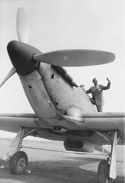 Douglas Miller「Back In The Cockpit」:写真・画像(15)[壁紙.com]