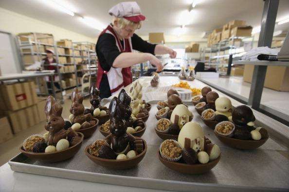 スイーツ「Chocolate Easter Bunny Production At Confiserie Felicitas」:写真・画像(18)[壁紙.com]
