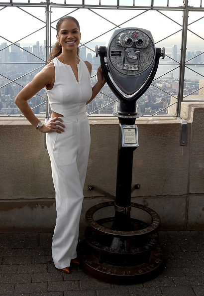 Empire State Building「Misty Copeland & Cindi Leive Light The Empire State Building In Honor Of The 25th Anniversary Of Glamour's Women Of The Year Awards」:写真・画像(7)[壁紙.com]