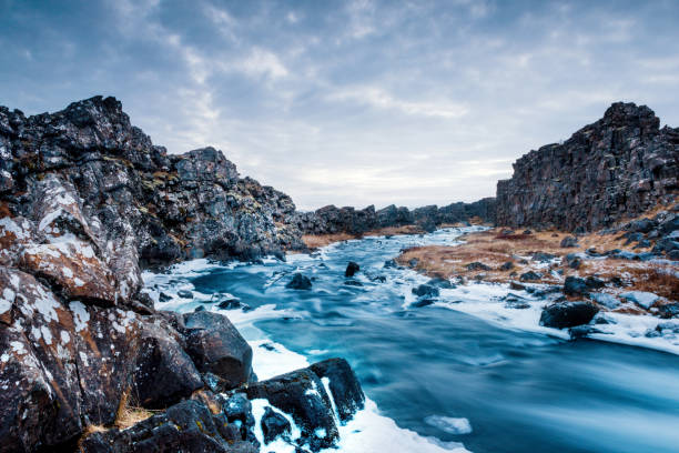 Majestic Iceland Öxará River Winter Landscape Thingvellir National Park Iceland:スマホ壁紙(壁紙.com)