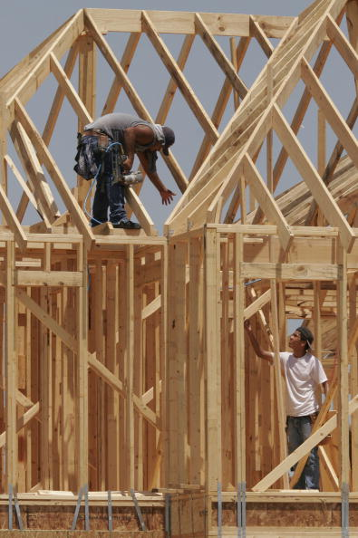 Dave Einsel「New Home Construction Continues To Rise」:写真・画像(0)[壁紙.com]