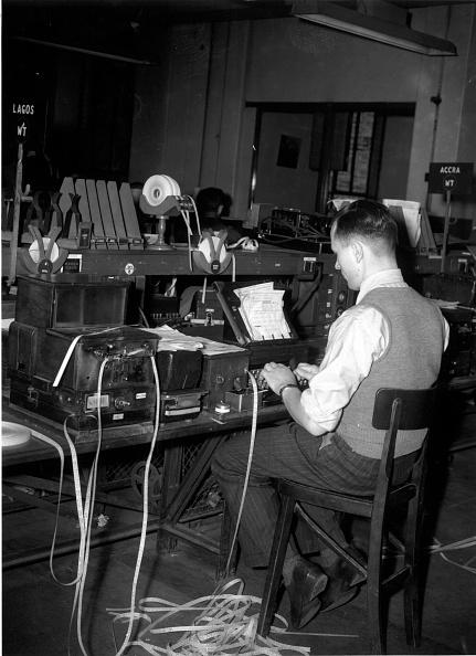 Monty Fresco「Telegraph Office」:写真・画像(11)[壁紙.com]